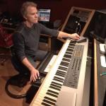 Mackie XRシリーズプロフェッショナルスタジオモニタースピーカーがギターリスト兼作曲家、ジョン・デファリアのスタジオで活躍